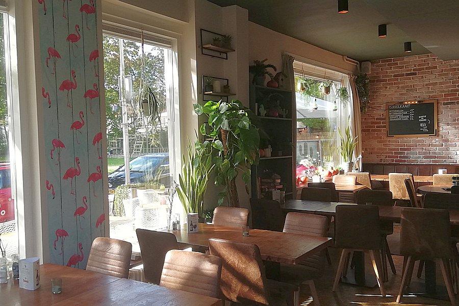 Het interieur van Restaurant Smoesjes in Utrecht