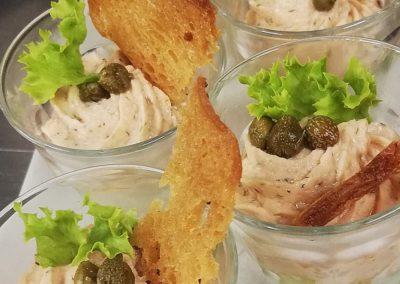Zalmmousse in een glaasje, catering Restaurant Smoesjes in Utrecht